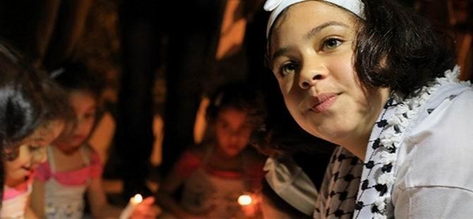 Barışa Işık Olmak İçin Mum Yaktılar