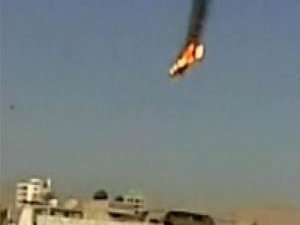 Suriyeli Muhalifler 2 MİG Savaş Uçağı Düşürdü (VİDEO)