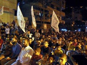 Gazze'de Katil İsrail'e Protesto
