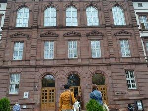 Alman Mahkemesinden Başörtüsü Kararı