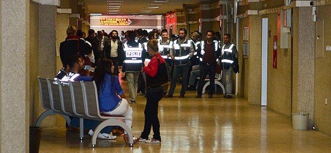 Usulsüz Taltif Soruşturmasında 3 Polise Tutuklama
