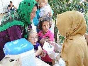 Suriyeli Kürtlerin Çocukları Sağlık Kontrolünden Geçiriliyor