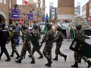 Çin Polisi 6 Uygur'u Vurarak Katletti