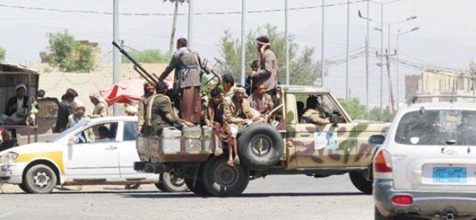 Yemen'de Husilerin Üssüne Saldırı: 15 Ölü