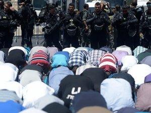 Siyonist İsrail Mescid-i Aksa'yı Müslümanlara Kapattı!