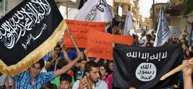 """FT: """"El Nusra ve IŞİD, ABD'ye Karşı İttifak Ediyor"""""""
