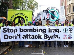 Londra'da Savaş Karşıtı Protesto