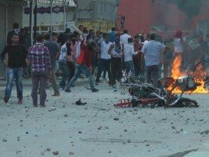 PKK`liler Mustazaflar Cemiyeti Üyelerine Saldırdı