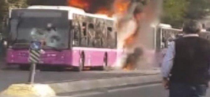 PKK'lılar İstanbul'da 3 Belediye Otobüsünü Yaktı