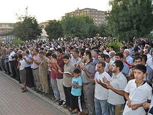 Katledilen Müslümanlar İçin Gıyabi Cenaze Namazına Davet