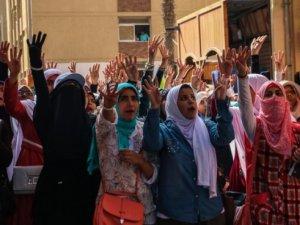 Mısır'da Öğrencilerden Darbe Karşıtı Gösteriler