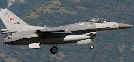 Savaş Uçakları PKK Mevzilerini Bombaladı