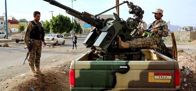ABD Havadan Husiler Karadan El-Beyda'ya Saldırıyor
