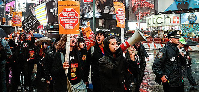 Polis Şiddeti ABD'de Protesto Edildi