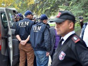 Gözaltına Alınan 17 Polis de Serbest Bırakıldı