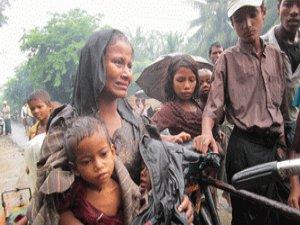 Myanmar'da Rohingyalar Arakan'dan Kaçıyor