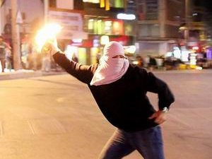 Polis Molotof Atana Karşı Silah Kullanabilecek!