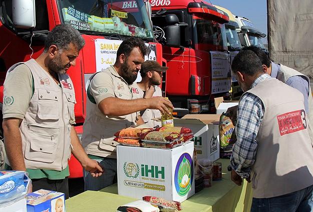 İHH'dan Suriye'ye 46 Tır Yardım