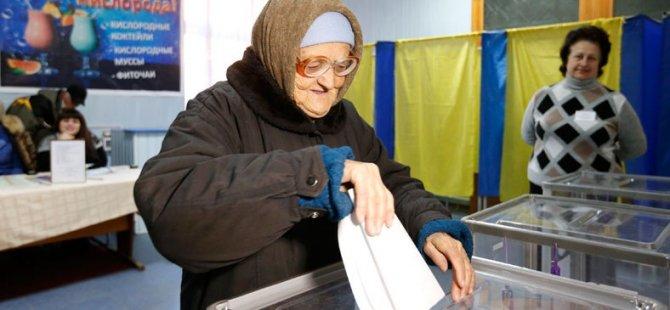 Ukrayna'da AB Yanlıları Kazandı