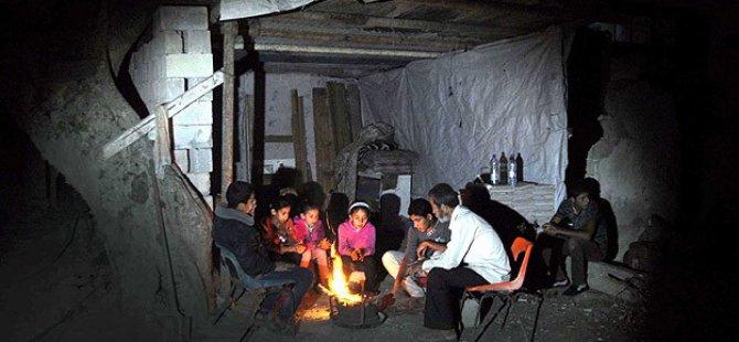 Evlerinin Enkazında Yaşayan Gazzeli Aileler