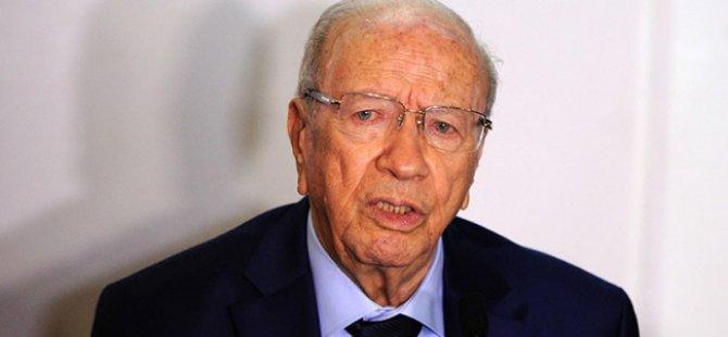 Tunus Cumhurbaşkanı: İş Olmadan Onur Olmaz