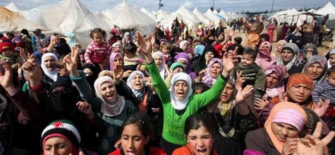 BMMYK: Suriye'nin Yarısı Sığınmacı (FOTO)