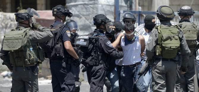 Siyonist İsrail Hamas Yöneticilerini Gözaltına Aldı
