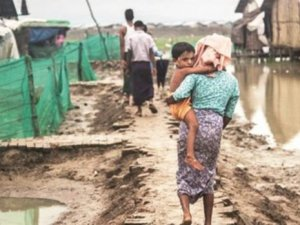 Arakan'da Müslümanlar Tecrit Kamplarında Ölümü Bekliyor