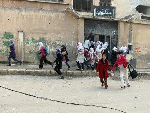 Esed Güçleri Okula Saldırdı: 17 Öğrenci Katledildi