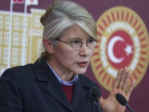 Tarhan'dan Bir Garip Açıklama: İlahlar HDP'yi İşaret Etti