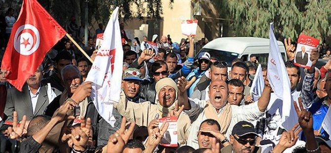 Tunus'ta Cumhurbaşkanlığı Seçimine Doğru