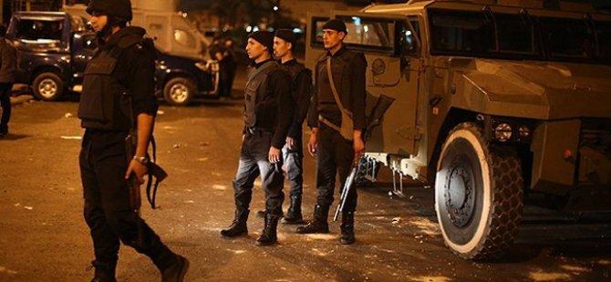 Darbeciler 25 Göstericiyi Gözaltına Aldı