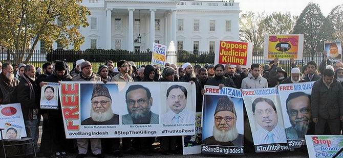 Beyaz Saray Önünde İdam Kararları Protesto Edildi