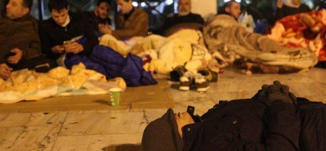 Yunanistan'da Suriyeli Sığınmacılar Eylem Yapıyor