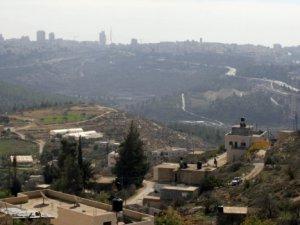 """İsrail Köyleri """"Açık Hapishaneye"""" Dönüştürüyor"""