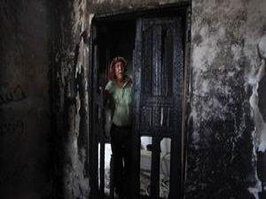 Siyonist Yerleşimciler Filistinli Ailenin Evini Ateşe Verdi