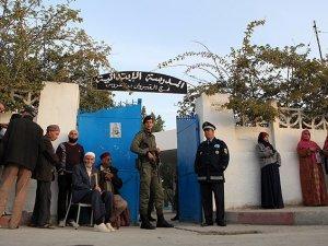 Tunus Halkı Cumhurbaşkanını Seçiyor