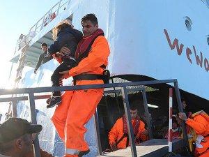 Akdeniz'de 300 Mülteci Kurtarıldı