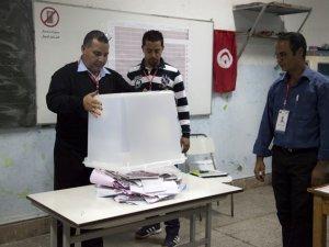 Tunus'ta Seçimler İkinci Tura Kaldı