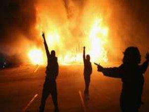 Ferguson'da 61 Gözaltı