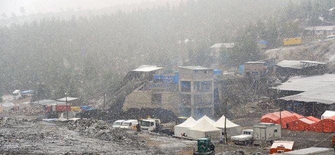 Ermenek'te Kar Altında Bekleyiş