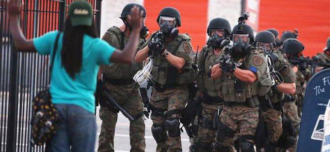 2200 Asker Ferguson Sokaklarında