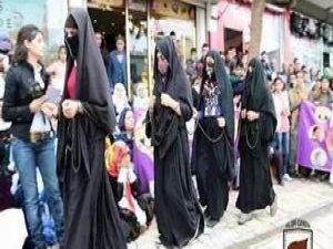 HDP Çarşafı Zincire Vurdu