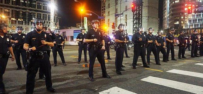 Ferguson Olaylarında Yüzlerce Gösterici Gözaltına Alındı