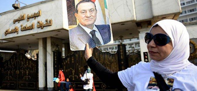 Cunta Yargısı Mübarek'i Yargılayınca: Beraat