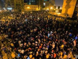 Cunta Yargısının Mübarek'e Beraat Kararına Protesto