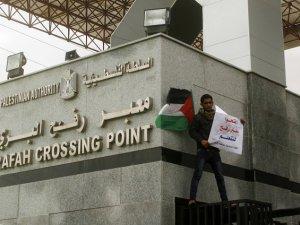 Refah Sınır Kapısı Geçici Süreliğine Açıldı