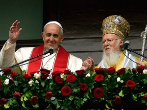 Papa Franciscus Aya Yorgi Kilisesi'nde Ayine Katıldı