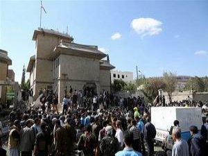 Yemen'de İran Büyükelçisi'ne Bombalı Saldırı