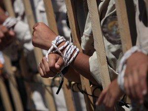 Hapishanede İşkence Hasta Etti